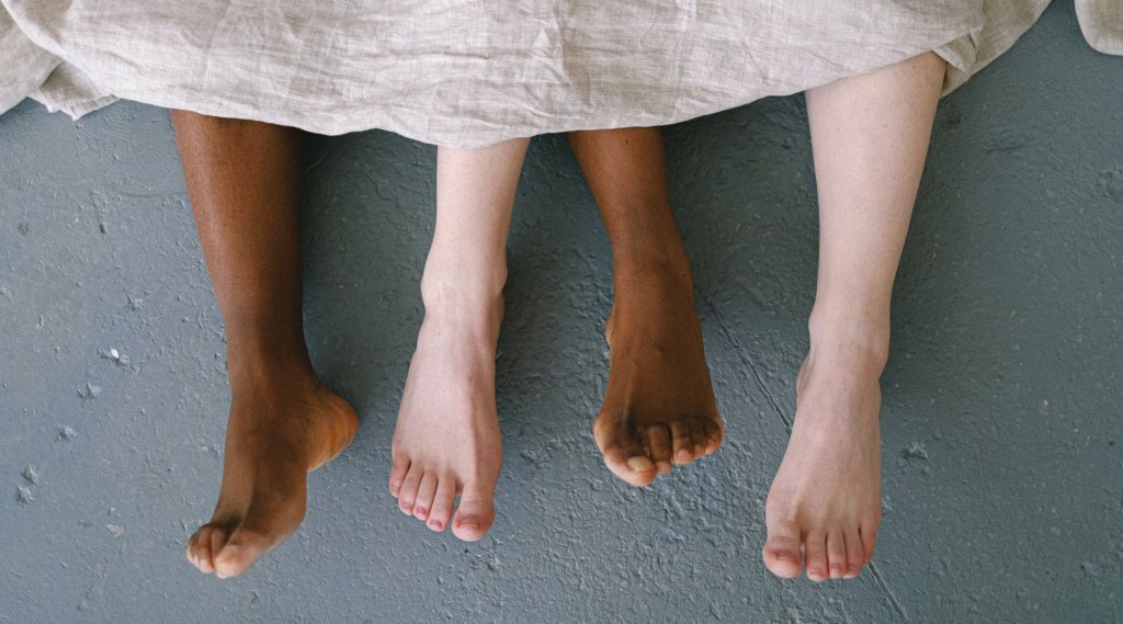 what happens to feet as you age